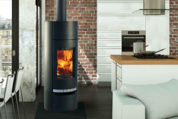 SODITHERM – Solutions de chauffage – Vente installation et entretien de poêles à granulés et poêles à bois, cheminées, inserts :chauffage-poele-bois-havana-noir-ambiance